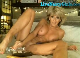 Hot Mature Milf Masturbates On Webcam Working